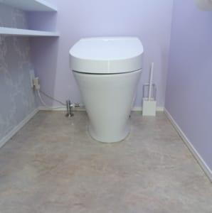 トイレの隙間を埋める
