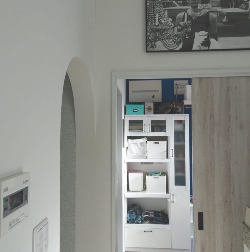 キッチン裏の収納部屋