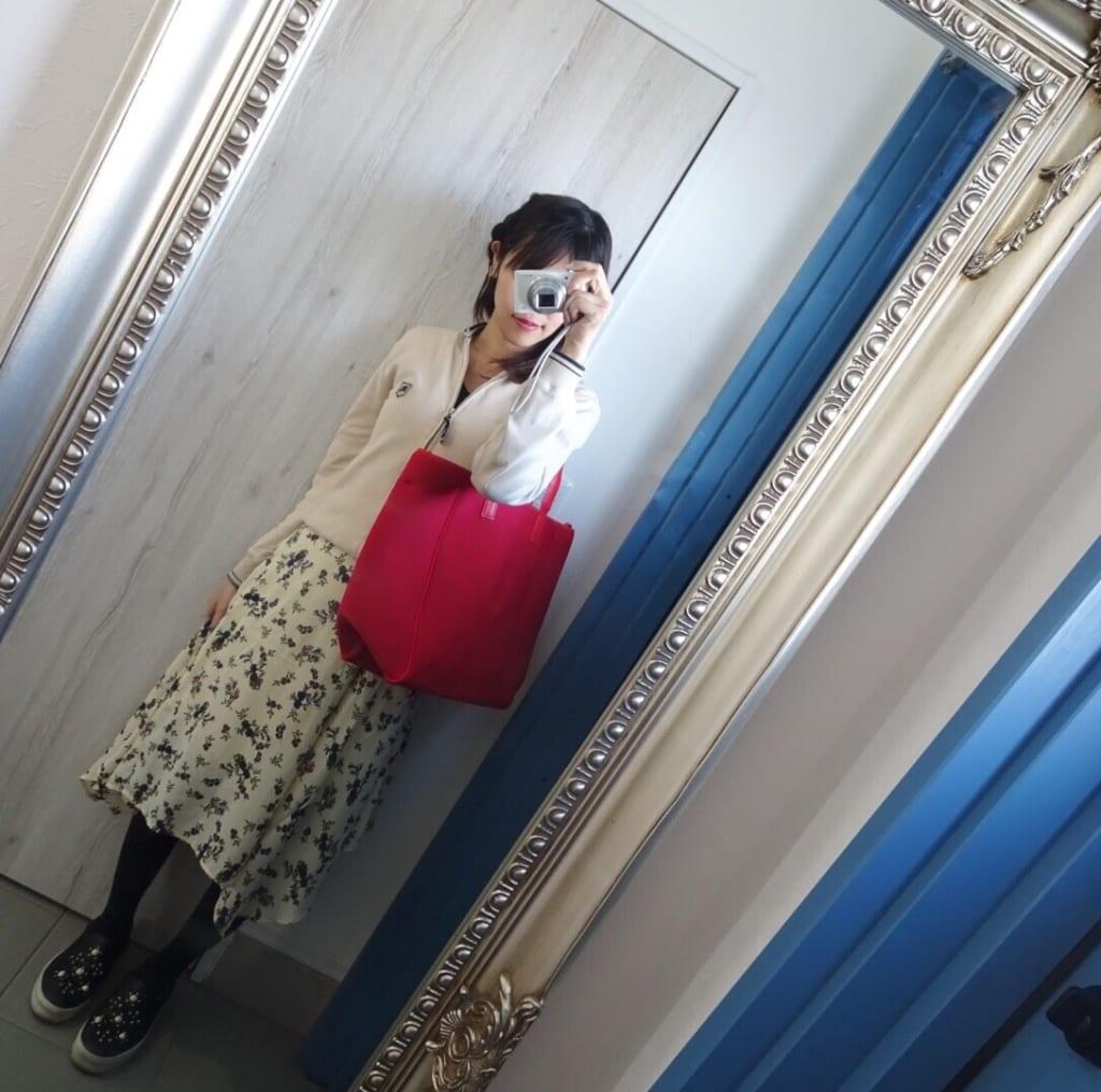 スカートでも合う鞄